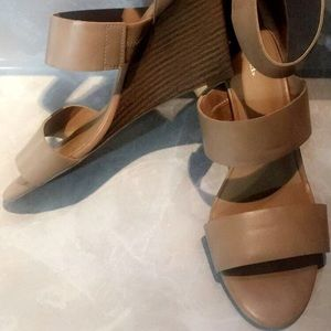 Ladies Merona Strappy Wedge Sandal Size 8